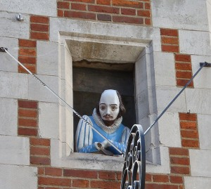 Shakespeare looking out of window - Carnaby Street