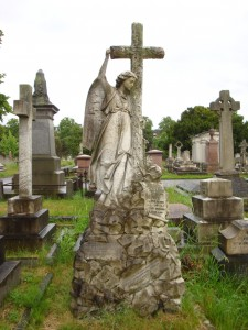 Brompton Cemetery - Angel on Dudley memorial