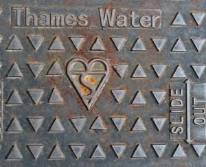 Thames Water drain cover w British Standards mark