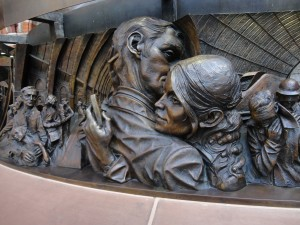 'The Meeting Place' by Paul Day, St Pancras Station